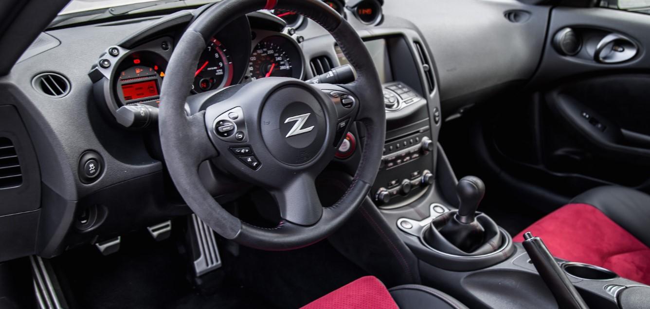 2020 Nissan 350Z Interior