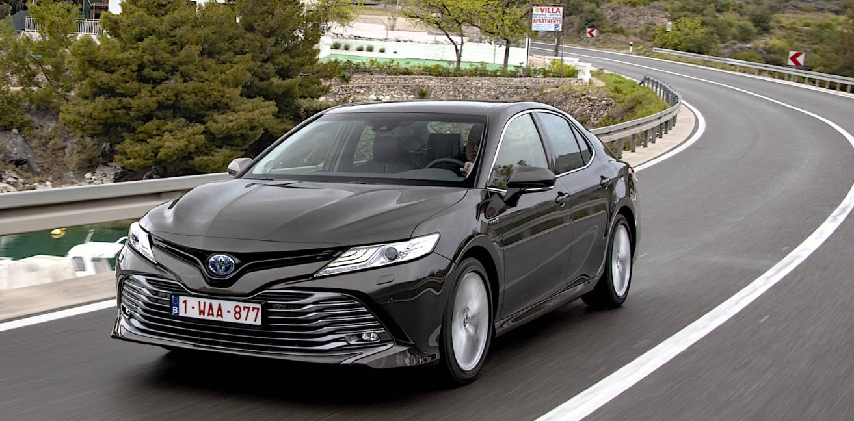 2020 Toyota Camry Hybrid Exterior