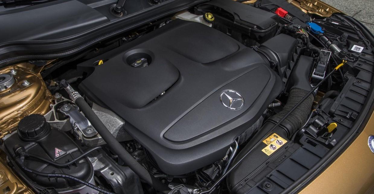 2021 Mercedes Benz GLA Engine