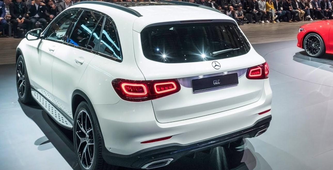2021 Mercedes Benz GLC Engine