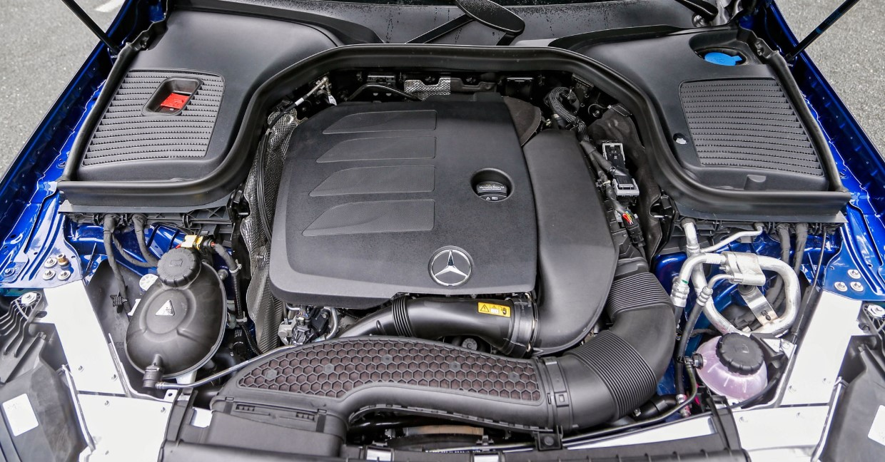 2021 Mercedes GLC 300 Engine