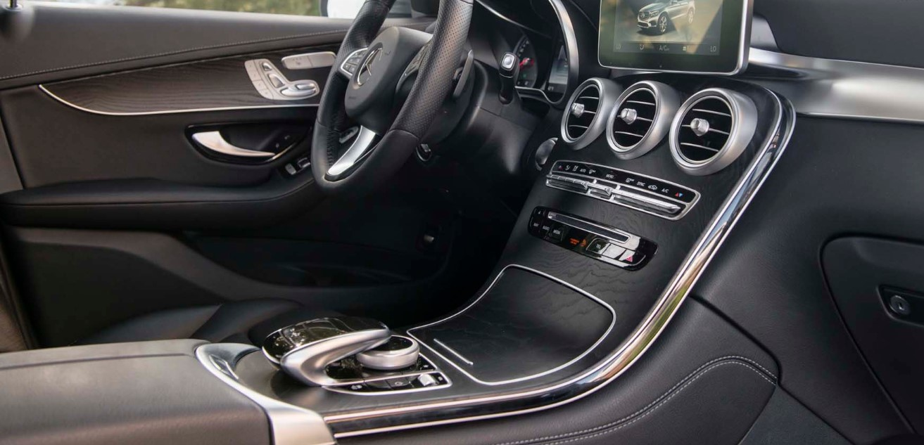 2021 Mercedes GLC 300 Interior