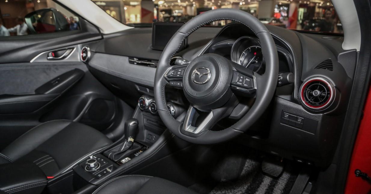 Mazda CX 3 2021 Interior