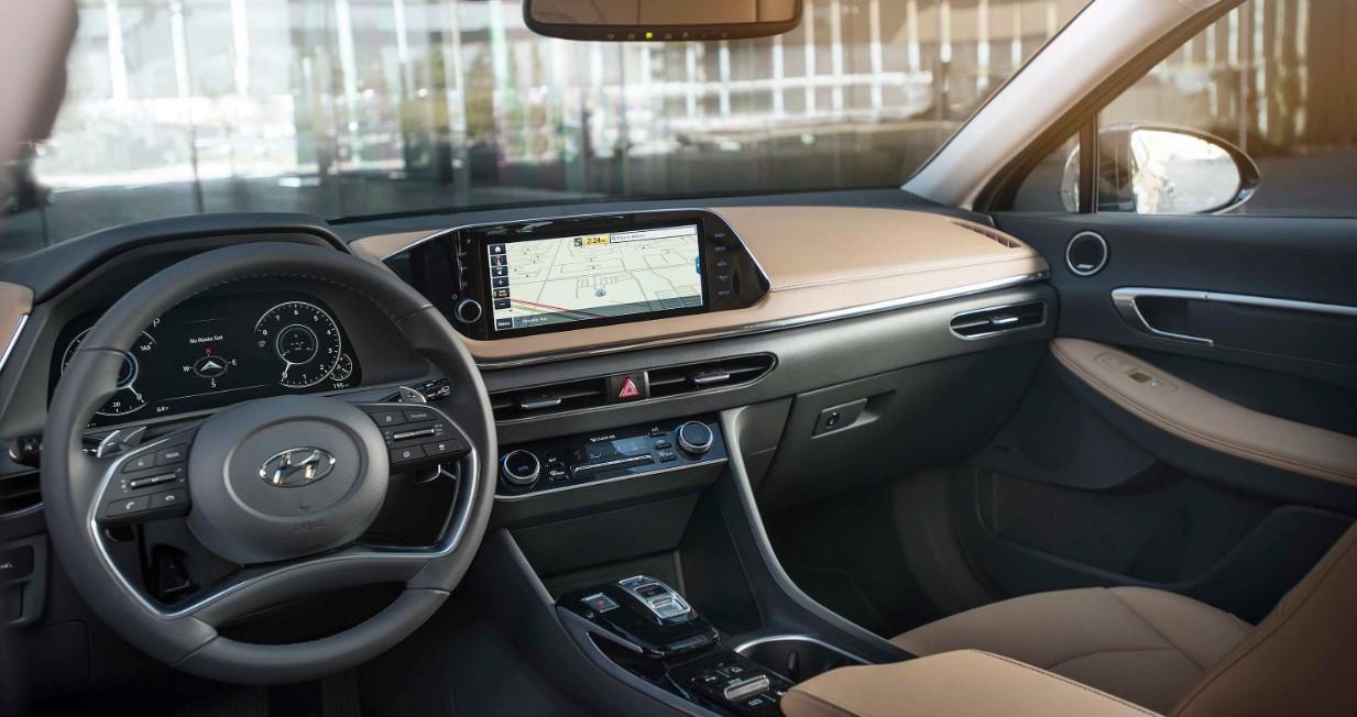 2021 Hyundai Azera Interior