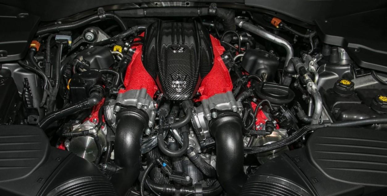 2021 Maserati Quattroporte Engine