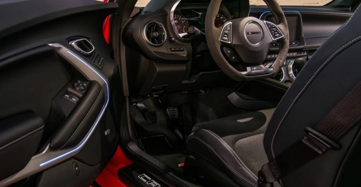 2022 Chevy Camaro Interior