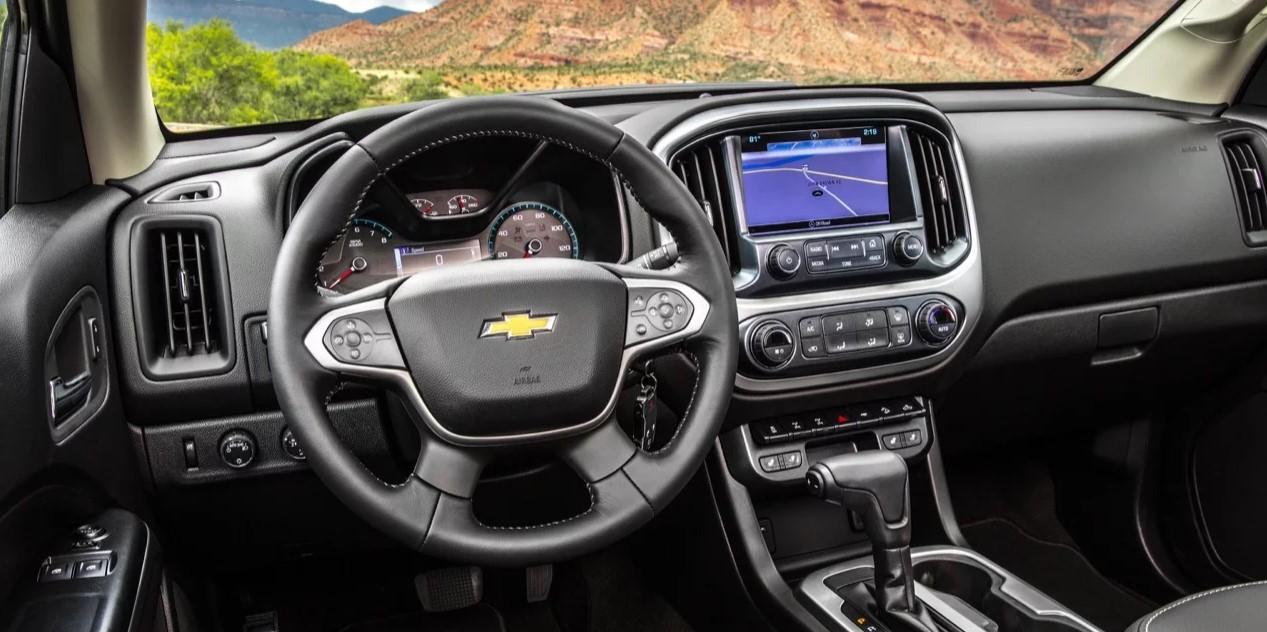 2022 Chevy Colorado Interior