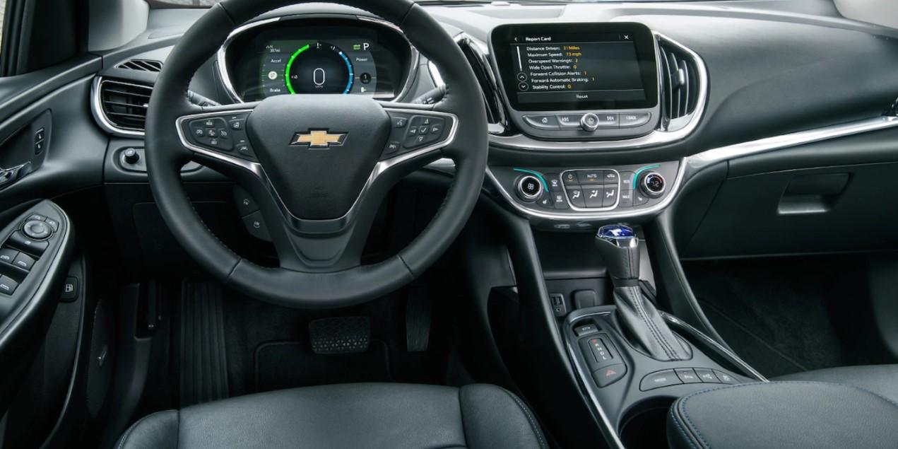 2022 Chevy Volt Interior