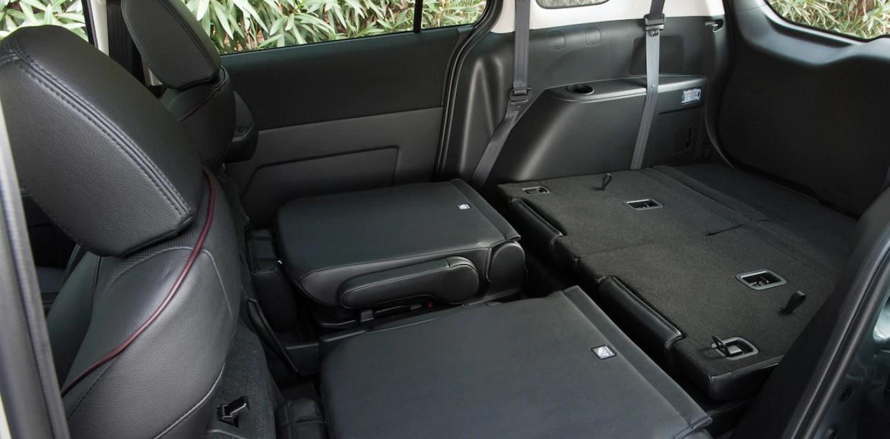 Mazda 5 2020 Interior