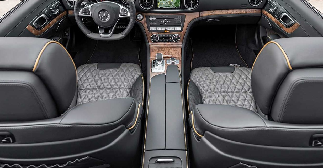 2021 Mercedes Benz SL Interior