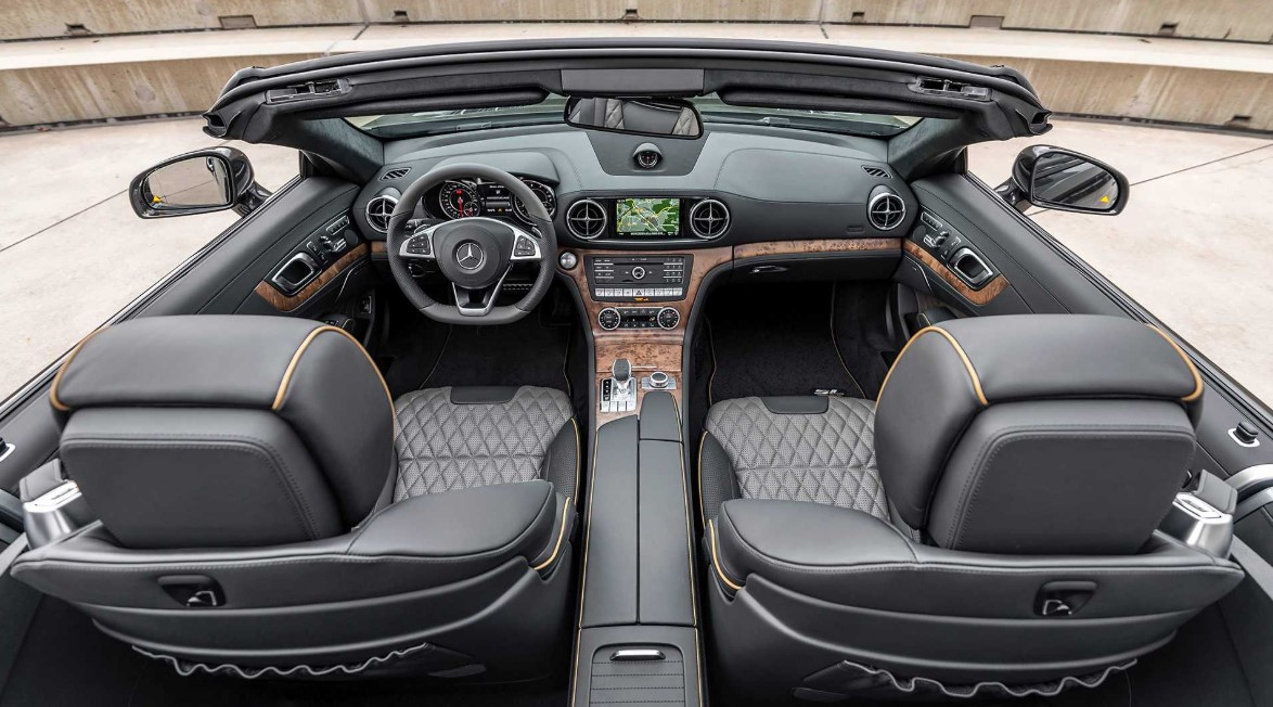 2021 Mercedes SL550 Interior