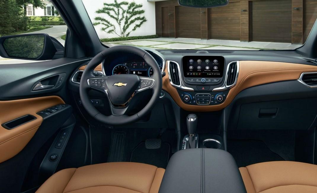 2022 Chevrolet Equinox Interior