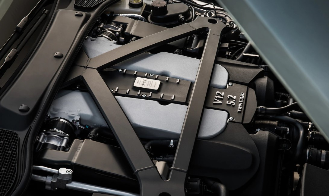 Aston Martin DB11 2021 Engine