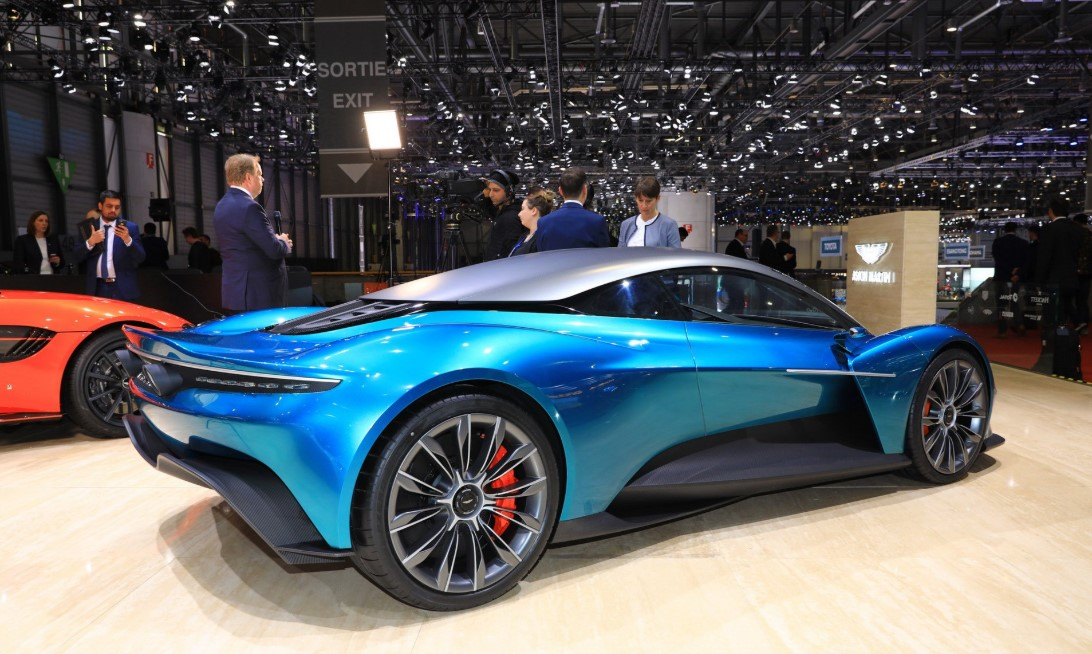 Aston Martin Vanquish 2021 Engine