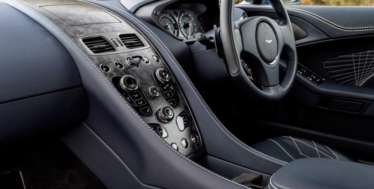 Aston Martin Vanquish 2021 Interior