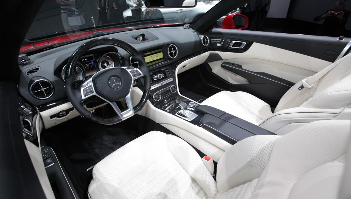 2021 Mercedes Benz SL Interior