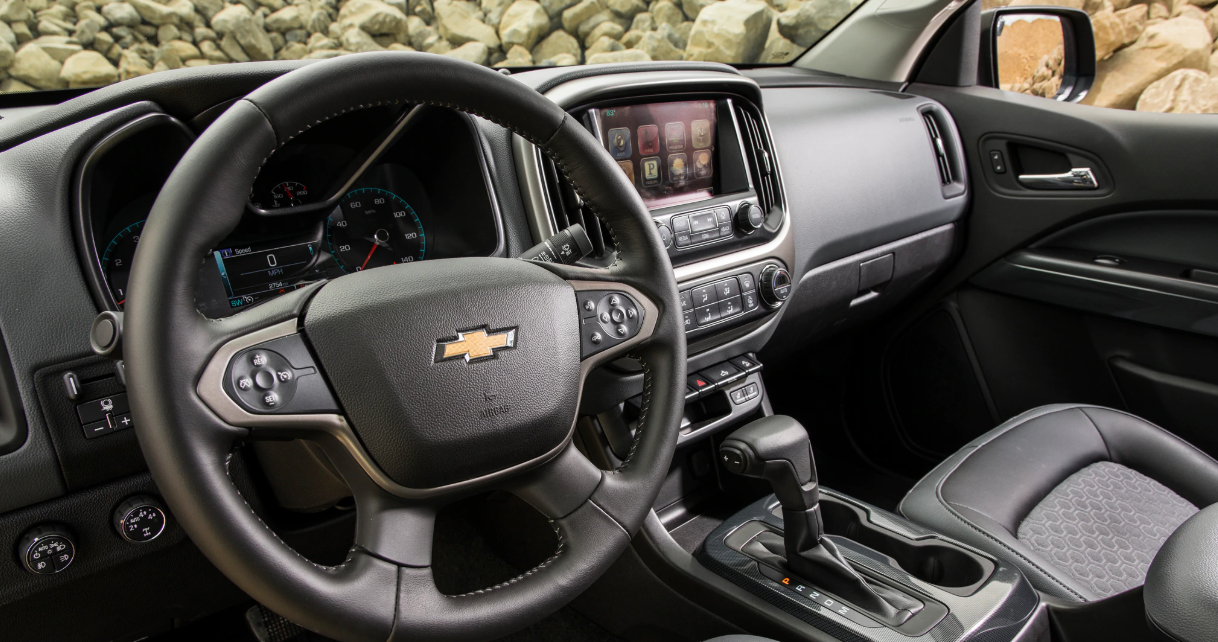 2022 Chevrolet Colorado Interior