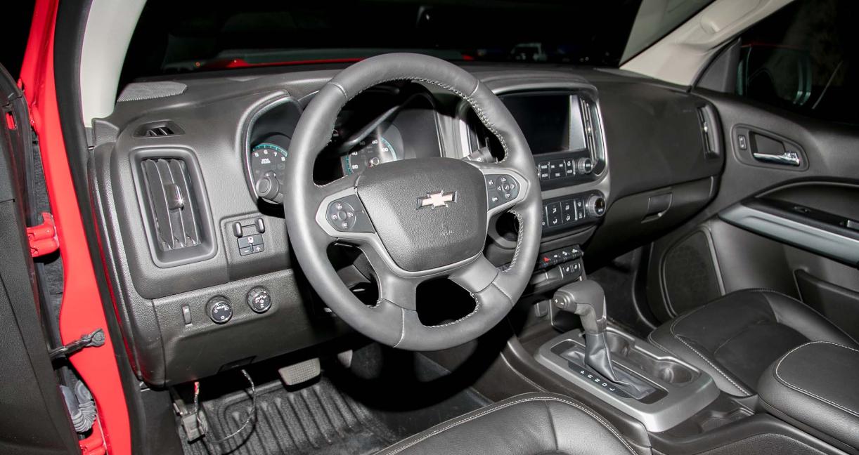 2022 Chevy Colorado ZR2 Interior