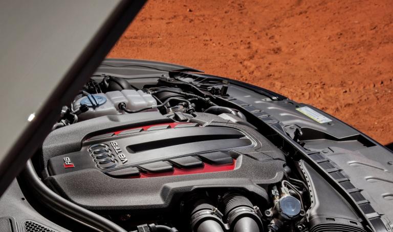 2021 Audi RS6 Engine
