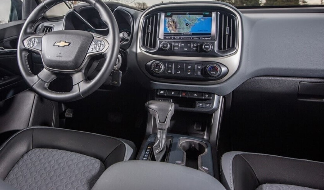 2021 Chevrolet Avalanche Interior