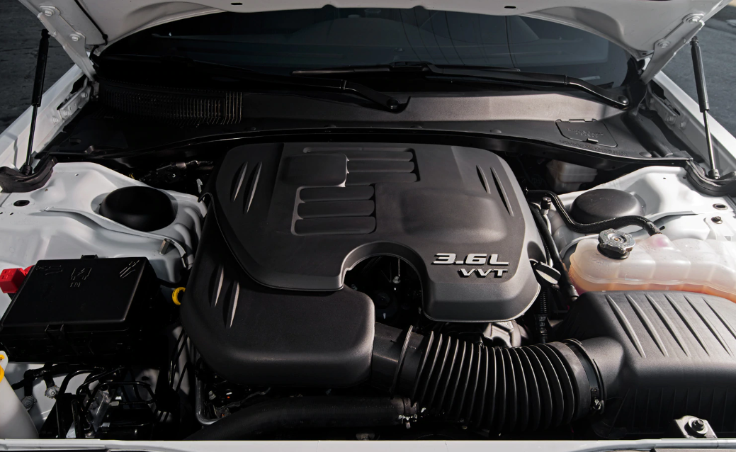 2021 Chrysler 300 Engine