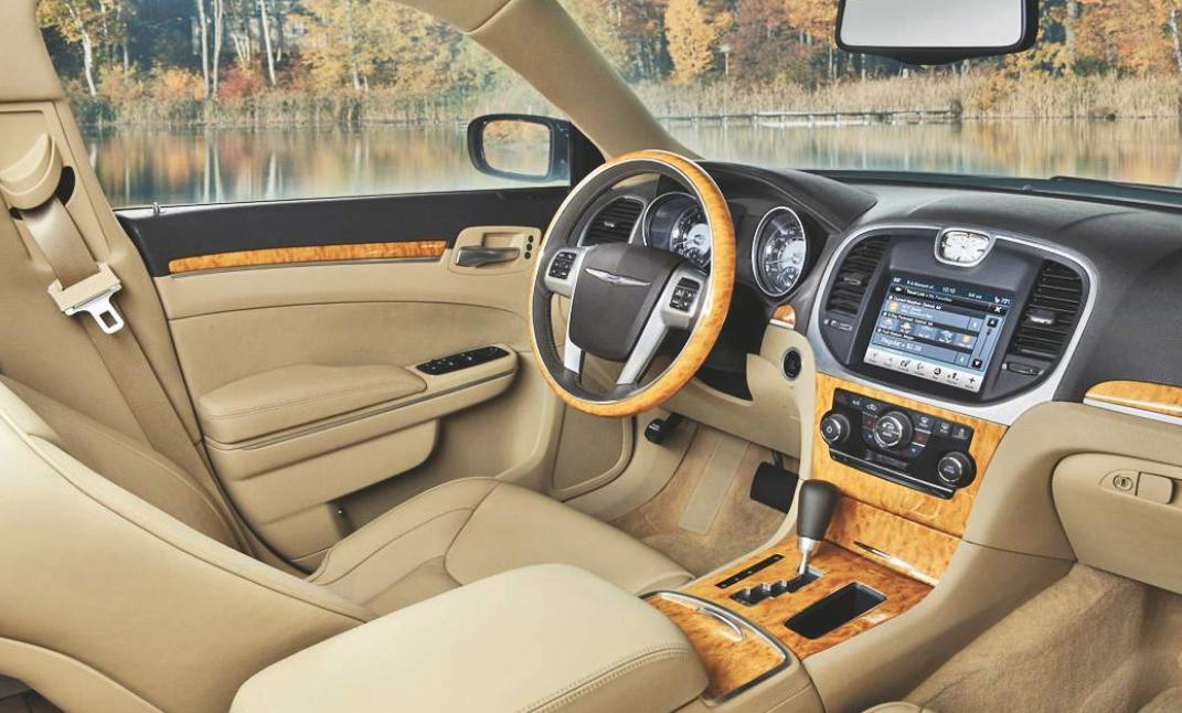 Chrysler 300C 2022 Interior