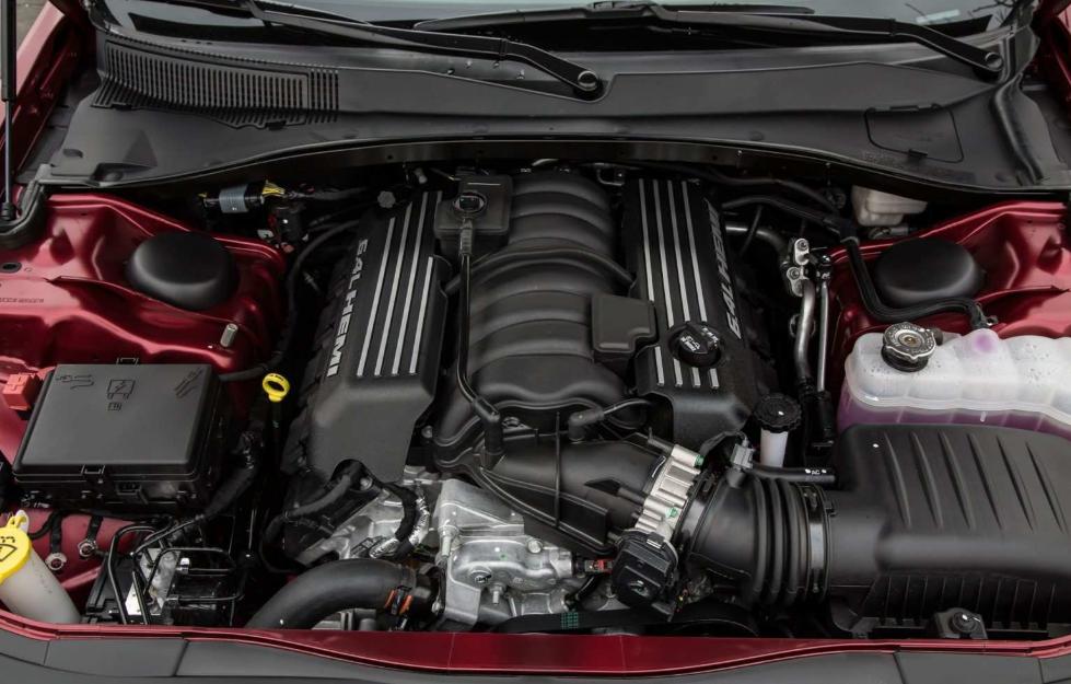 2020 SRT Chrysler 300 Engine