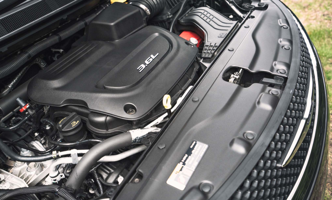 2020 Chrysler Pacifica Touring Engine