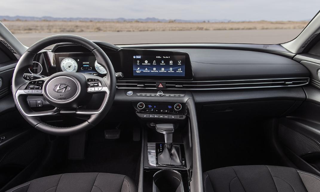 2022 Hyundai Elantra Interior