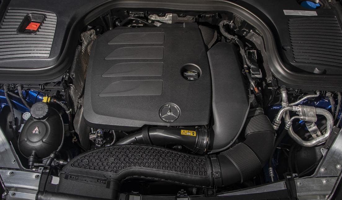 2022 Mercedes Benz GLC Engine
