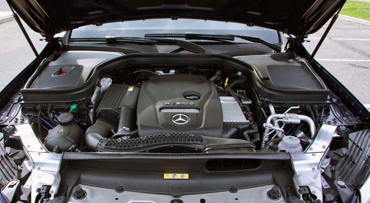 2022 Mercedes GLC Engine