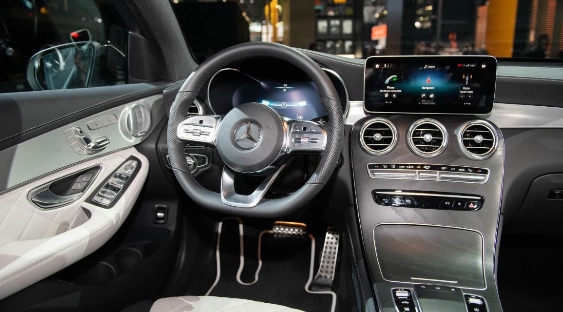 2022 Mercedes GLC 300 Interior