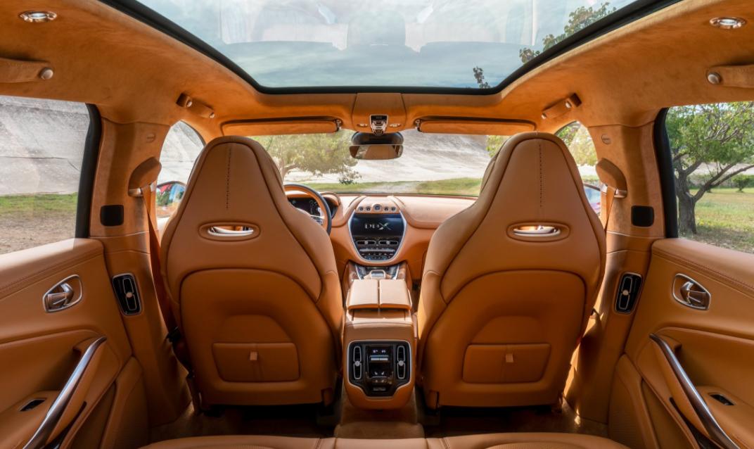 2022 Aston Martin DBX Interior