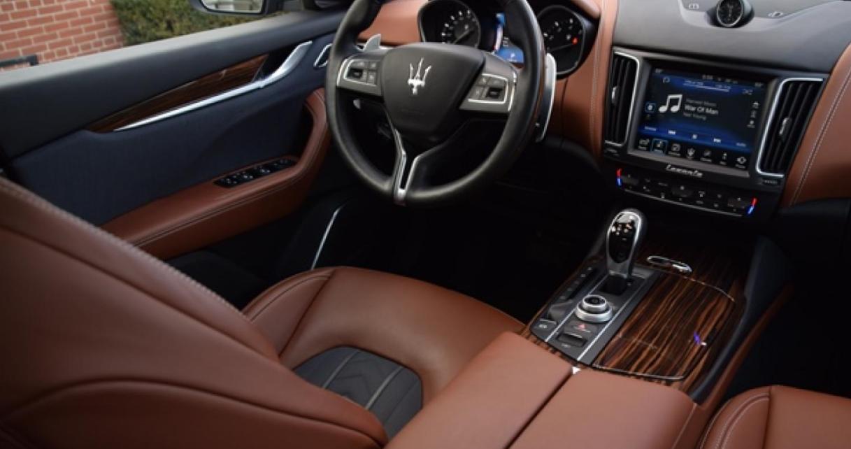 2022 Maserati Levante SUV Interior