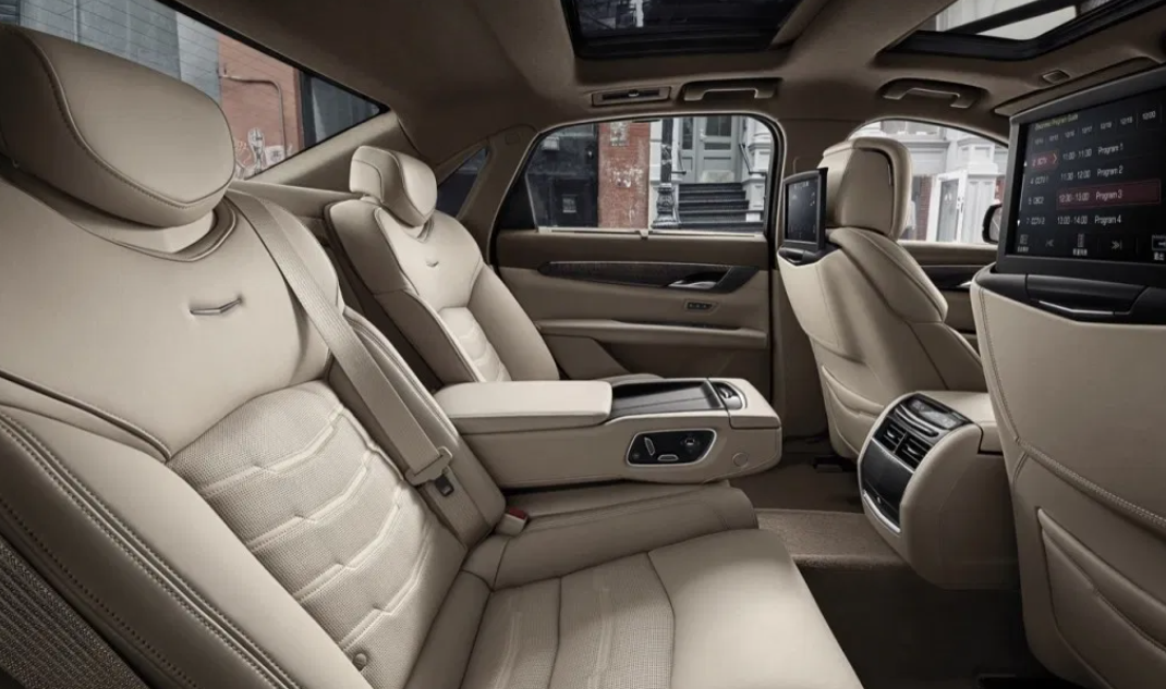 2022 Cadillac CT6 Interior