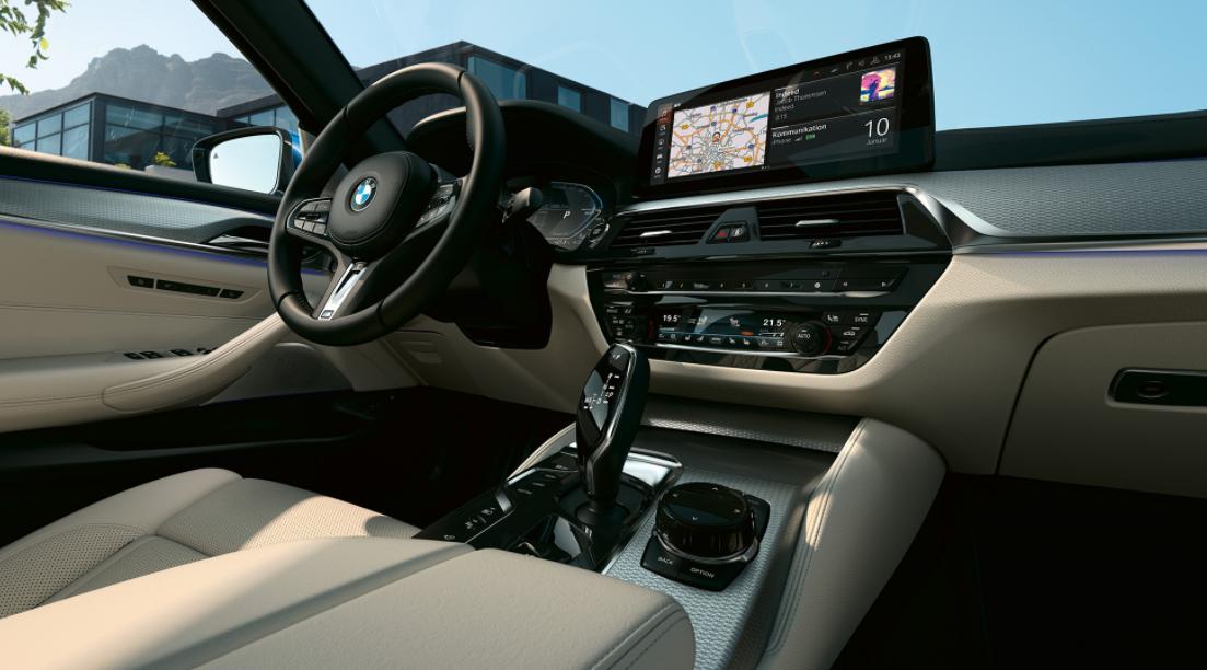 2022 BMW 5 Interior