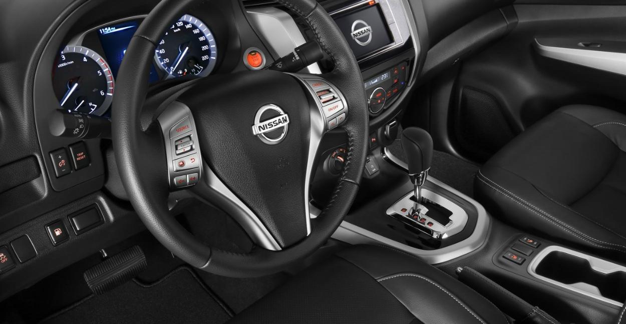 2023 Nissan Frontier Interior