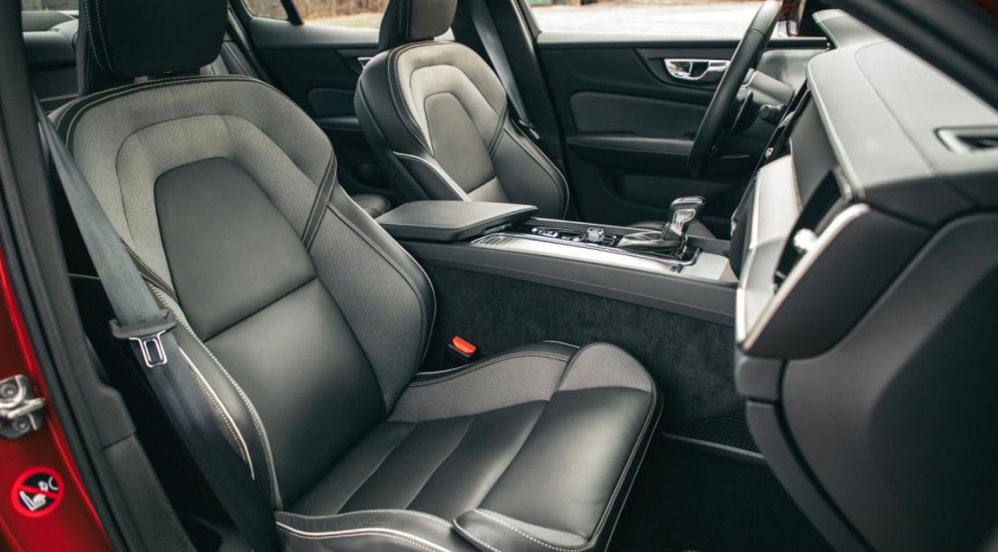 2023 Volvo S60 Interior