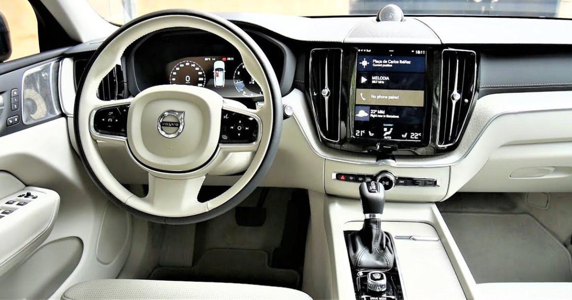 Volvo XC40 2023 Interior