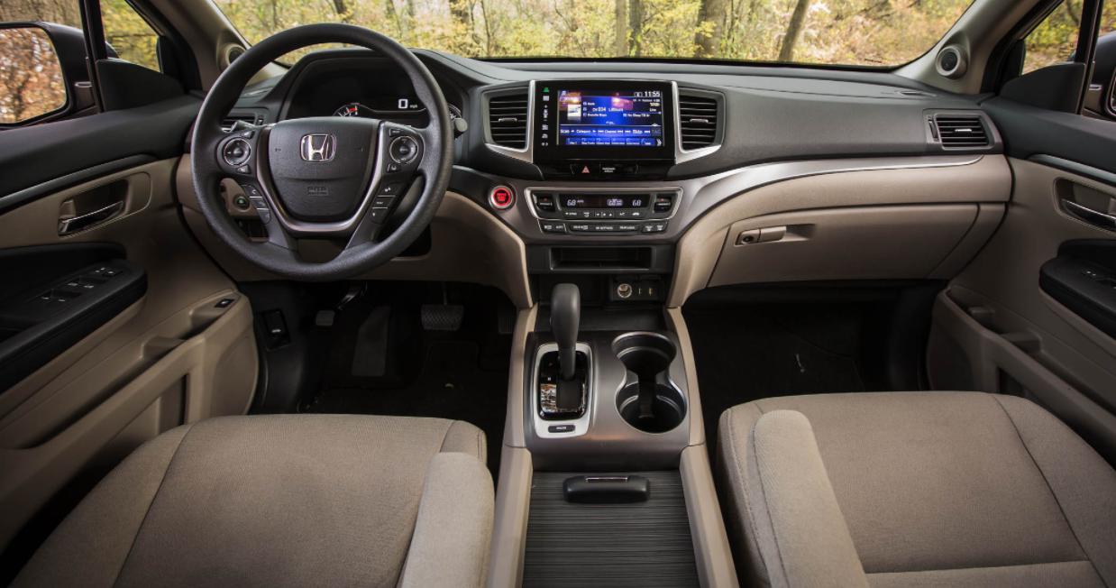 2023 Honda Pilot Hybrid Interior