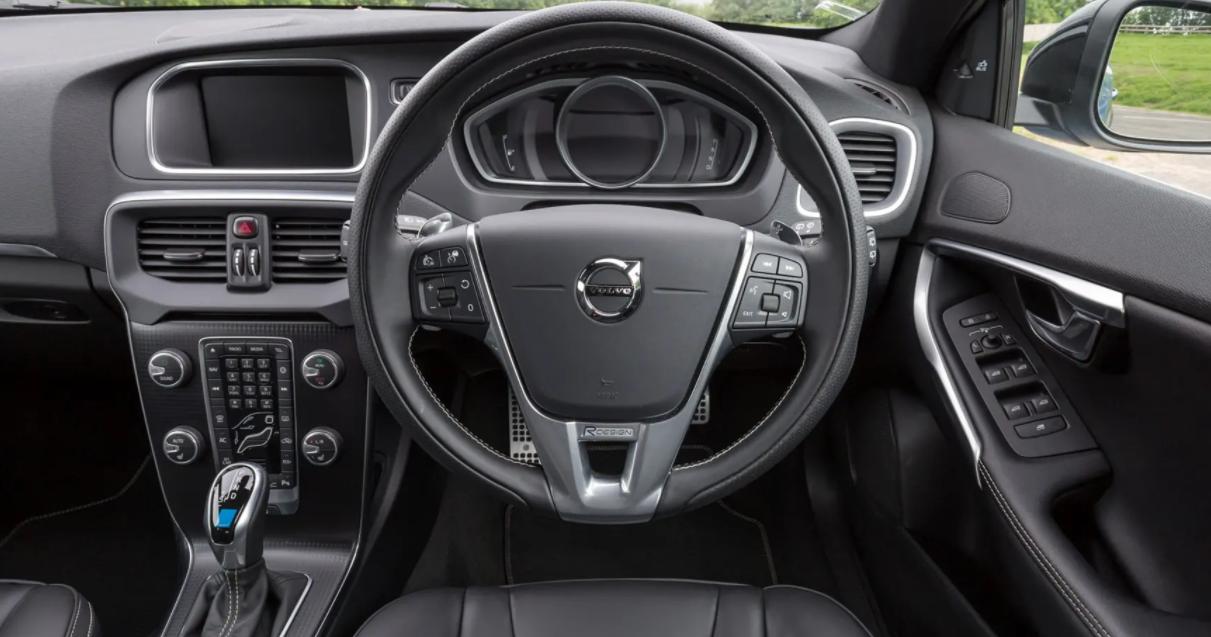 Volvo V40 2023 Interior