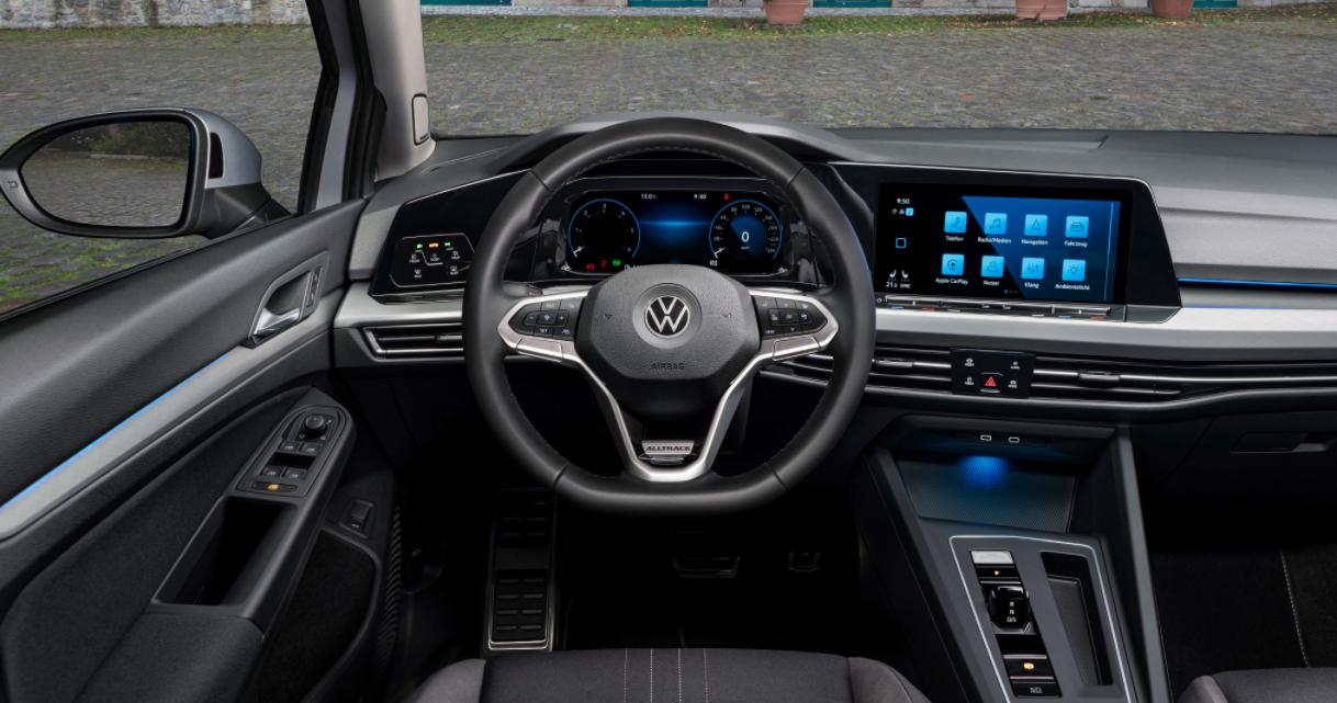 2023 Volkswagen Golf Interior