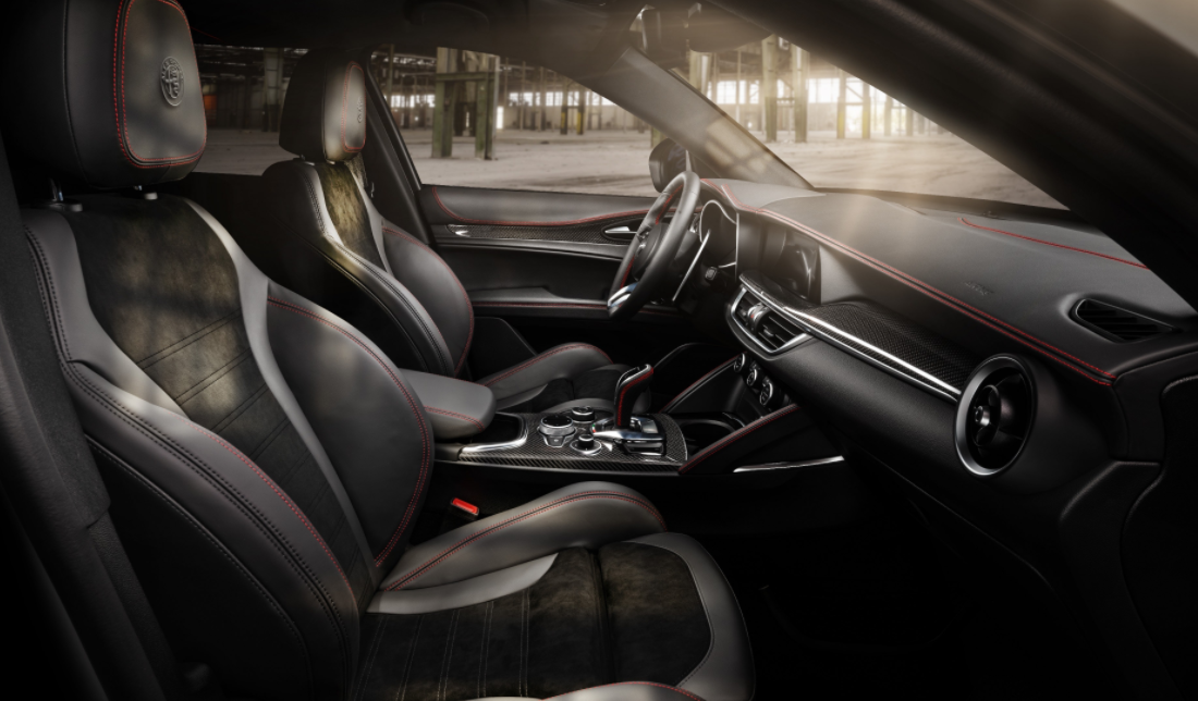 2023 Alfa Romeo Stelvio Interior