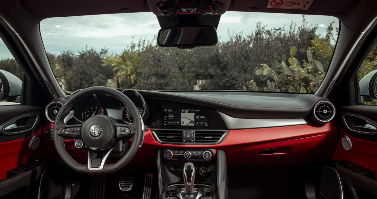 2023 Alfa Romeo Giulietta Interior