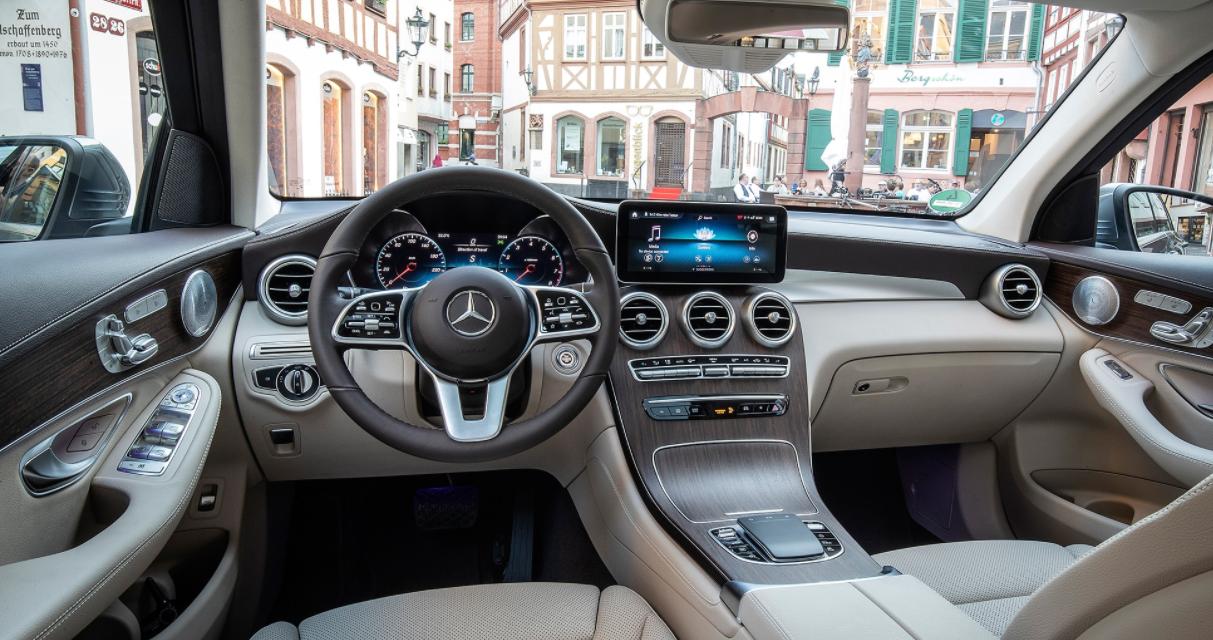2023 Mercedes GLC Interior